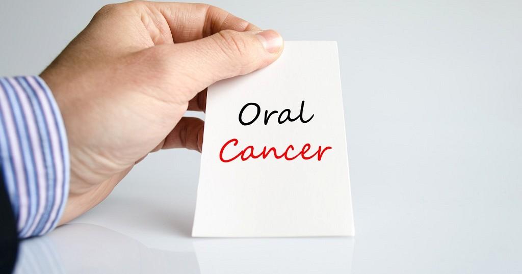 Oral_Cancer_Screening_Dentist